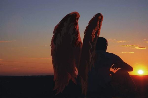 etimologicamente la parola angelo deriva dal greco angelos che vuol ___